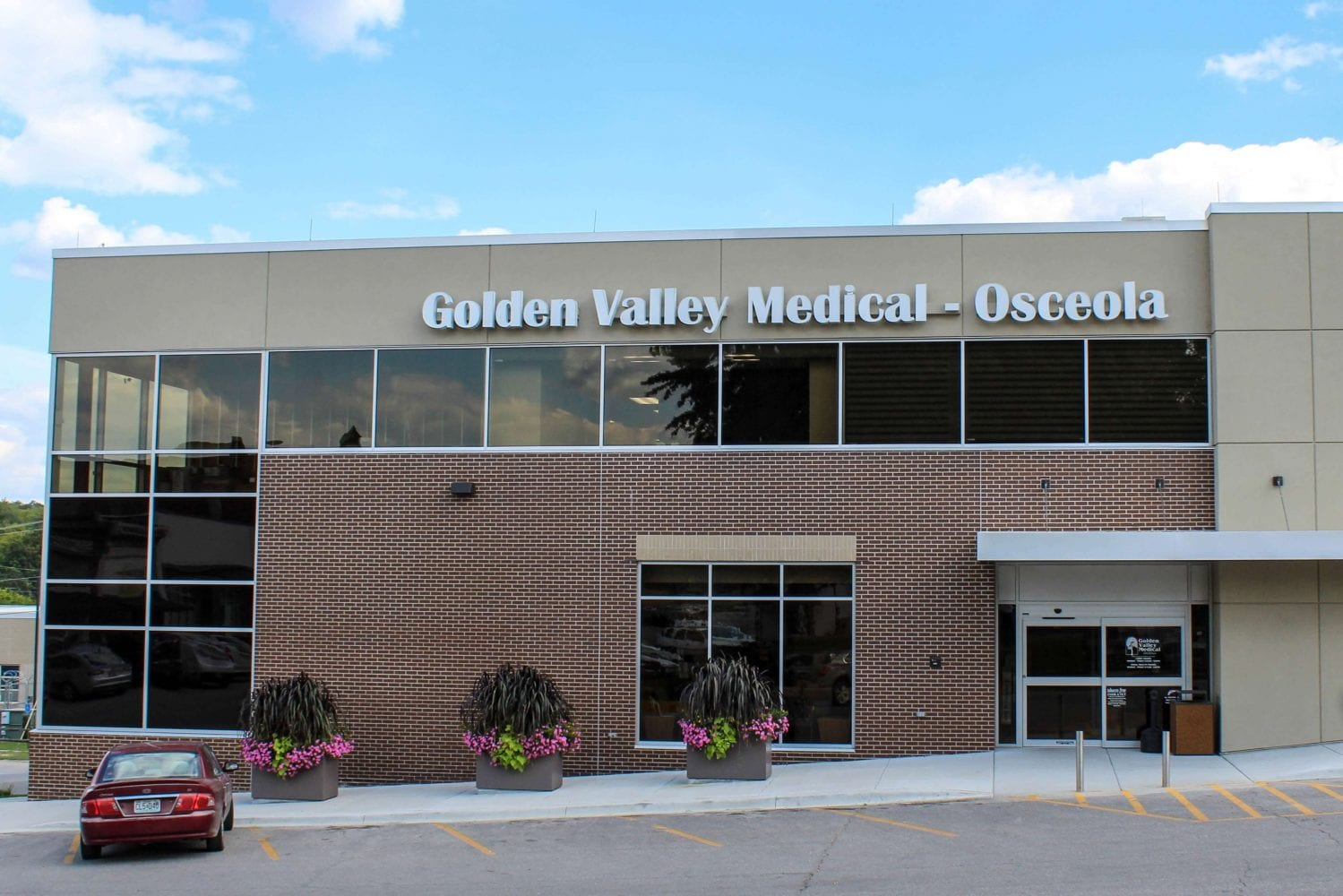 Golden-Valley-Memorial-Clinic-Main-Entrance-Osceola-Missouri
