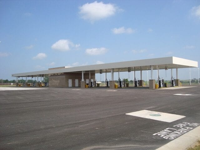 Springfield-Branson-Airport-Rental-Car-Facility-Fueling-Station (1)