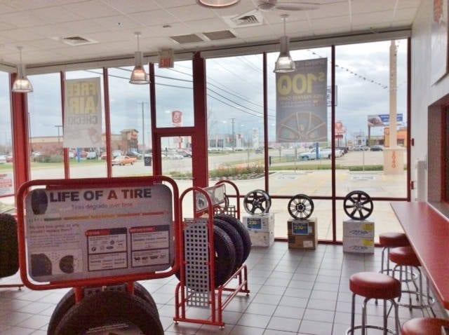 discount-tire-joplin-lobby
