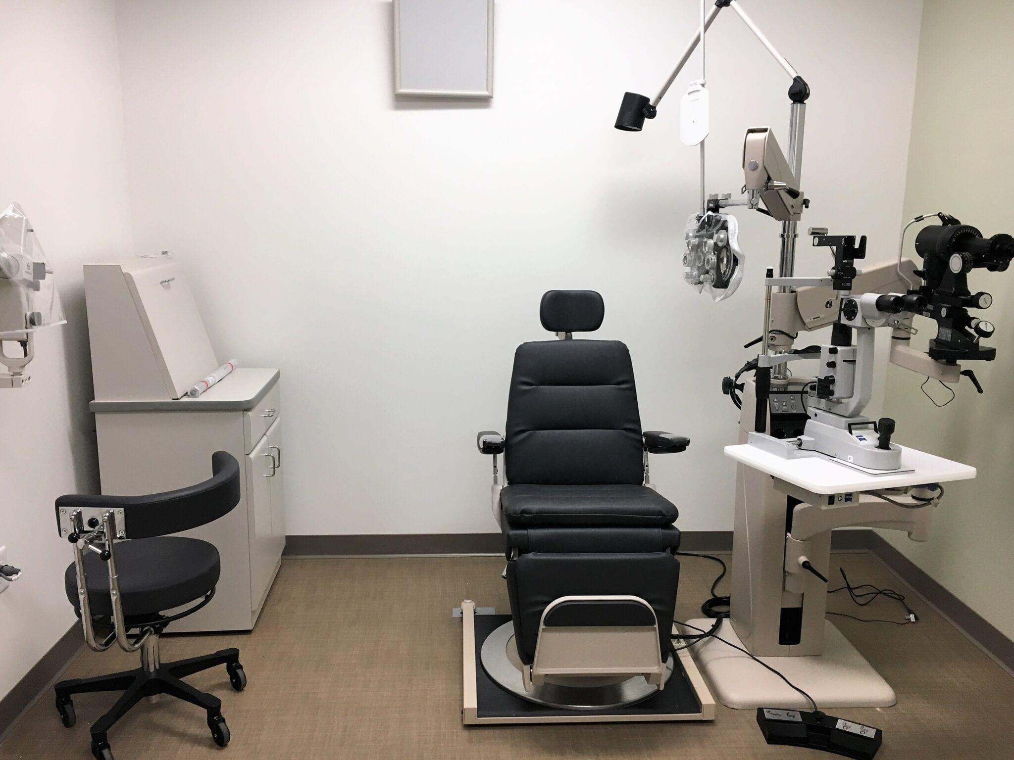 va clinic eye exam room